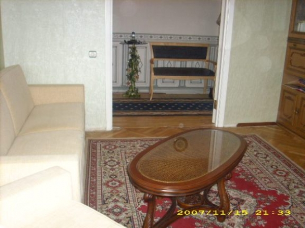 Oktyabrskaya subway station, 2-two-bedroom apartment for rent in Minsk, Kupaly Street, house number 17