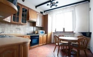 Oktyabrskaya subway station, 2-two-bedroom apartment for rent in Minsk, Lenina Street, house number 3