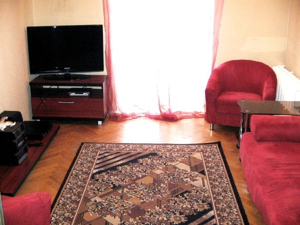 Plowad Pobedy subway station, 2-two-bedroom apartment for rent in Minsk, Krasnaya street,  house number 18
