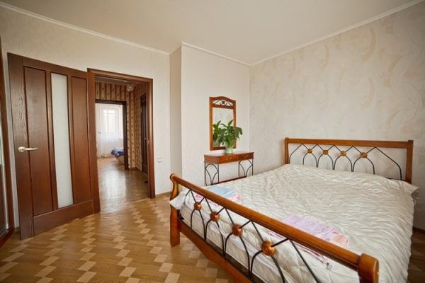 Frunzenskaya subway station, 3- three -bedroom apartment for rent in Minsk, Zaslavskaya Street House number 17