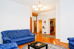 Molodezhnaya Subway station, 3-three-bedroom apartment for rent in Minsk, Gvardeyskaya street, house number 10