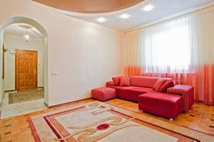 Ploshchad Pobedy subway station, 4-bedroom apartment for rent in Minsk, Zaharova street, house 29
