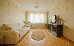 Станция метро Фрунзенская, 3-трехкомнатная квартира на сутки в Минске, улица Заславская, дом 17