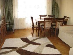 Oktyabrskaya Subway station, 4-four-bedroom apartment for rent in Minsk, Nezavisimosti Avenue, house number 18
