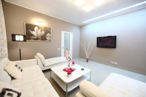 Plowad Pobedy subway station, 3- three -bedroom apartment for rent in Minsk, Nezavisimosci avenue, House number 43