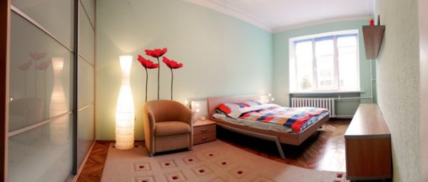 Plowad Lenina subway station, 3- three -bedroom apartment for rent in Minsk, Leningradskaya street house number 2