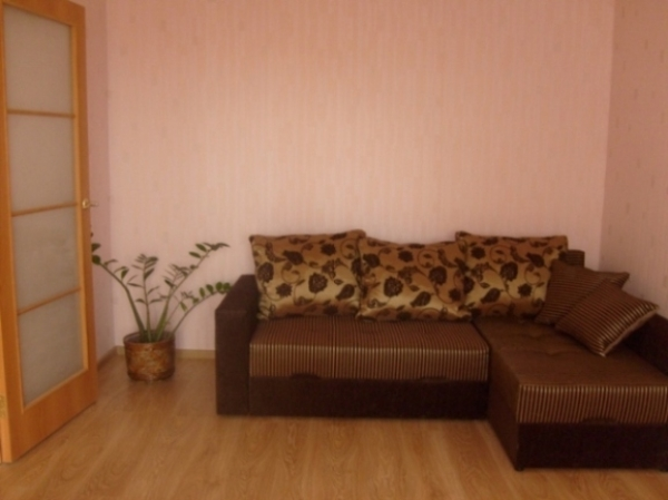 Kamennaya Gorka subway station, 2-two-bedroom apartment for rent in Minsk, Chaylytko street, house number 1