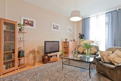 Ploshchad Lenina subway station, 4-bedroom apartment for rent in Minsk, Kirova street, house 6