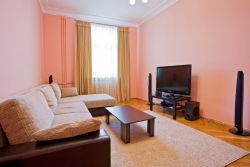 Oktyabrskaya Subway station, 3-three-bedroom apartment for rent in Minsk, gorodskoi Val street, house number 8