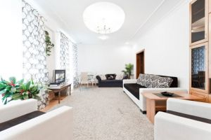 Oktyabrskaya Subway station, 4-four-bedroom apartment for rent in Minsk, Karl Marx street, house number 25