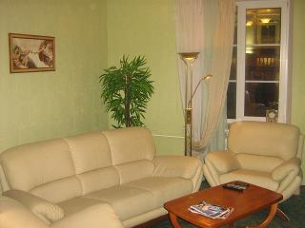 Oktyabrskaya subway station, 2-two-bedroom apartment for rent in Minsk, Nezavisimosci avenue, house number 13