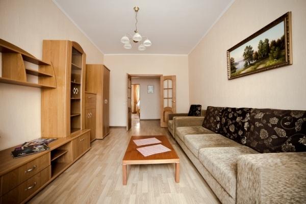 Plowad Yakuba Kolasa subway station, 2-two-bedroom apartment for rent in Minsk, Nezavisimosci avenue,  house number 48