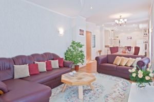 Lenin Square Subway station, 3-three-bedroom apartment for rent in Minsk, Kirova Street, house number 1