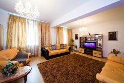 Oktyabrskaya subway station, 3-three-bedroom apartment for rent in Minsk, Nezavisimosti Avenue, house number 23