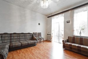 Oktyabrskaya Subway station, 3-three-bedroom apartment for rent in Minsk, Yanka Kupala Street, house number 23