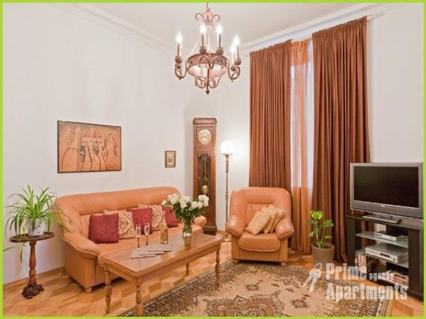 Nezavisimosci Square subway station, 4-bedroom apartment for rent in Minsk, apartment for rent in Minsk, Nezavisimosci avenue house number 12