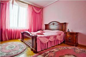 Oktyabrskaya Subway station, 3-three-bedroom apartment for rent in Minsk, Nezavisimosti Avenue, house number 12