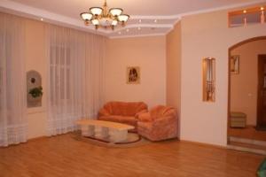 Nemiga subway station, 3-three-bedroom apartment for rent in Minsk, Rakovskaya street  house number 16a