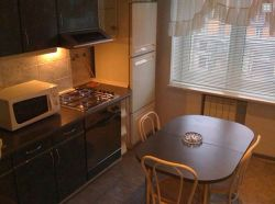 Plowad Yakuba Kolasa subway station, 2-two-bedroom apartment for rent in Minsk, Nezavisimosti Avenue, house number 46