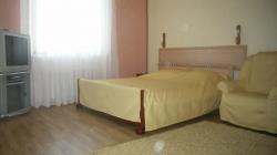 Octyabrskaya subway station, 1-one-bedroom apartment for rent in Minsk, Internacionalnaya street,  house number 13